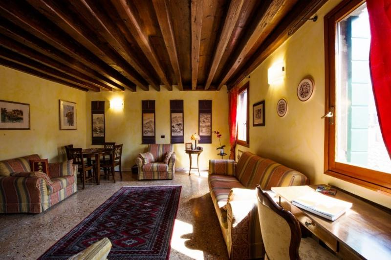 Ca'Coriandolo - Bright Two bedroom, 2 bathrooms apartment in San Marco - Image 1 - Venice - rentals