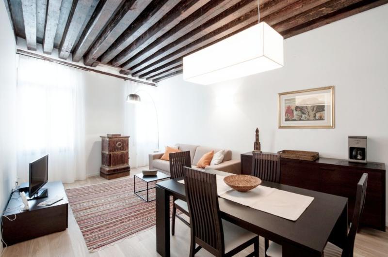 Julian 1 - Two bedroom flat just off San Mark's Square - Image 1 - Venice - rentals