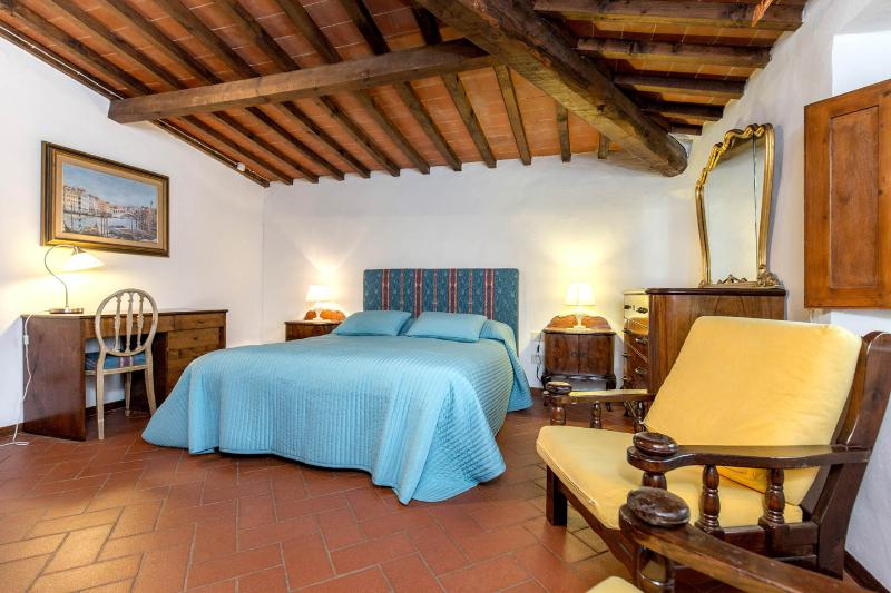 First double bed room - Your home in the heart of Fiesole, Florence - Fiesole - rentals