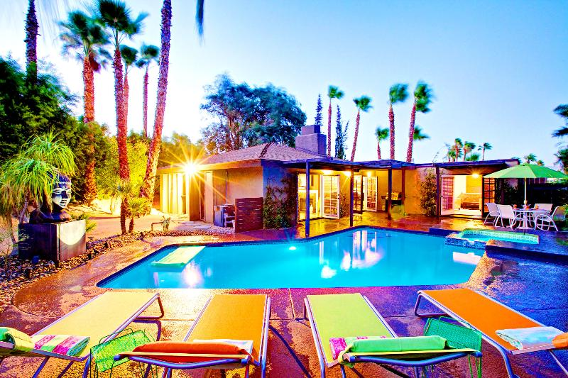 Luna Paradise, a Palm Springs Oasis | Luxury Vacation Rental by Owner | Sleeps 8 - The Luna Paradise Luxury Vacaton Home - Palm Springs - rentals