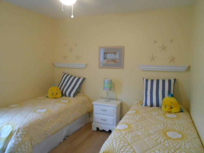 Just Beachy 4 bedroom 3 bath townhouse - Image 1 - Ocean City - rentals