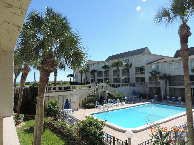 Pool View, Easy Beach Access, Sleeps 6 in Beds, 2-1/2 Baths - 2 bedroom townhouse on beautiful Crescent Beach - Saint Augustine Beach - rentals