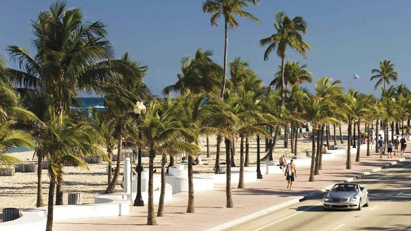 Central Fort Lauderdale Beach Location - Spacious 1-Bedroom Condo at Beach - Fort Lauderdale - rentals