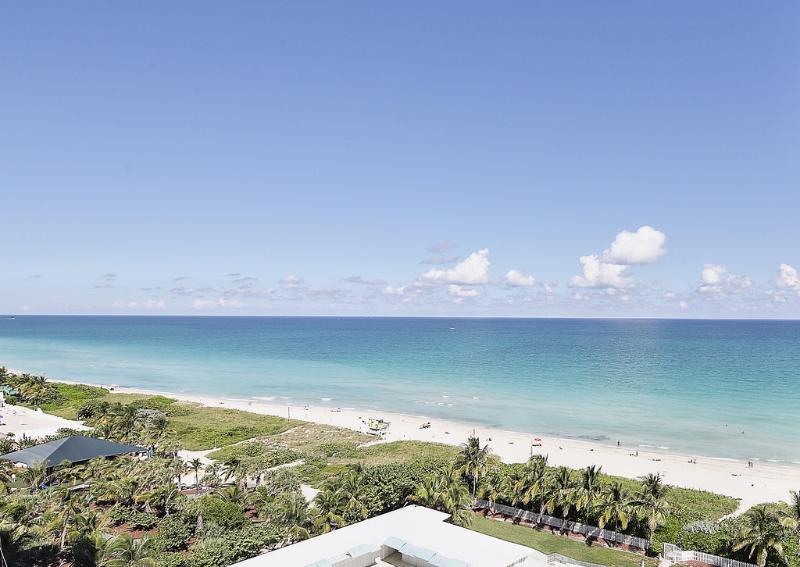 Ocean View Stunner! Two Bedroom with Balcony 1AX2ADZF - Image 1 - Miami - rentals