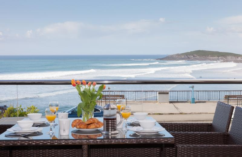3 Fistral Beach located in Newquay, Cornwall - Image 1 - Newquay - rentals