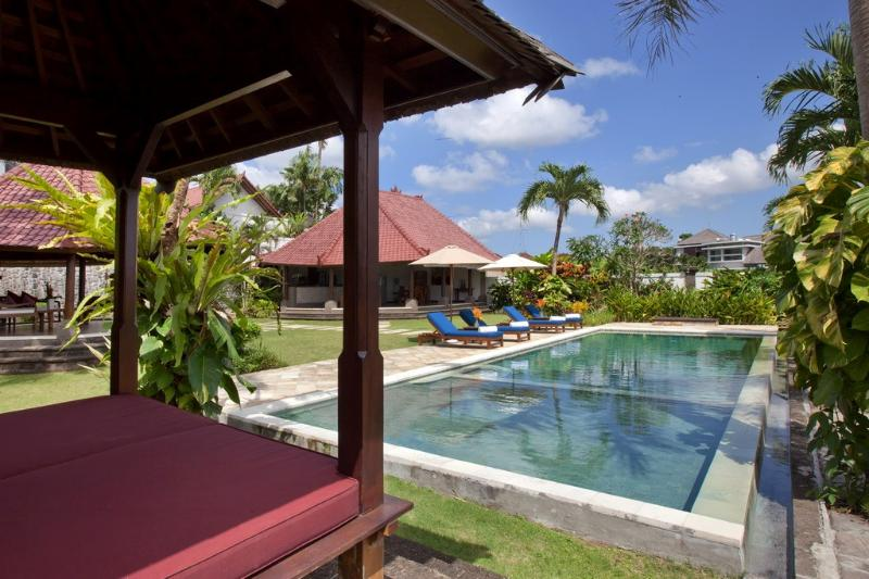 3Bedroom Villa Junno with Rice Field View - Image 1 - Canggu - rentals