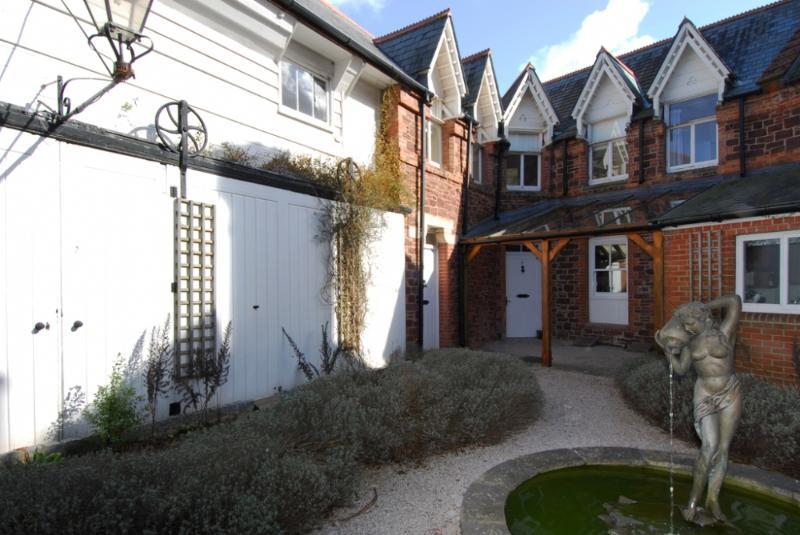 6 The Manor House, Torquay, Devon - Image 1 - Torquay - rentals