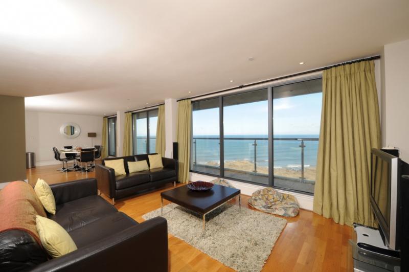 The Penthouse Bay View, Nassau Court - Image 1 - Westward Ho - rentals