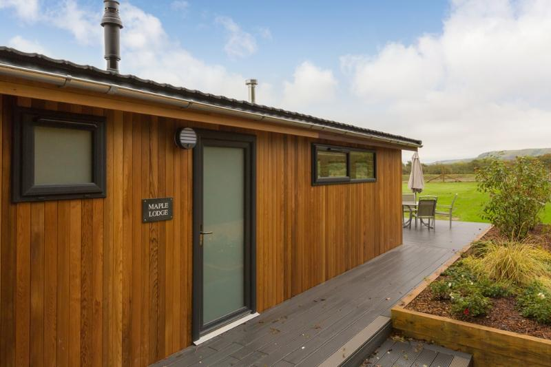 Maple Lodge, South Downs located in Hassocks, West Sussex - Image 1 - Hassocks - rentals