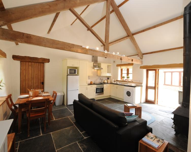 Old Dairy, Park Mill Farm located in Chulmleigh, Devon - Image 1 - Chulmleigh - rentals