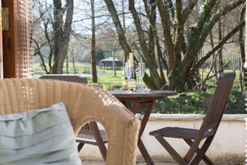 Riverside Cottage, Park Mill Farm, Chulmleigh, Devon - Image 1 - Chulmleigh - rentals
