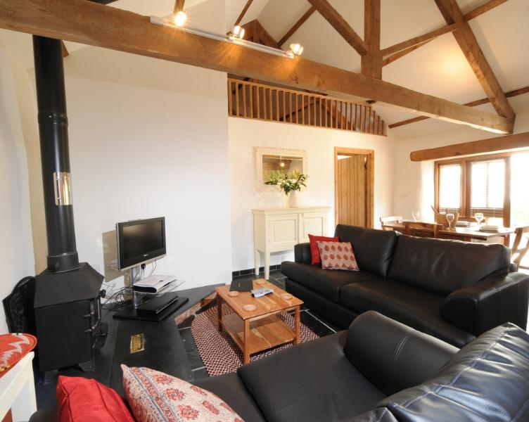 The Smithy, Park Mill Farm located in Chulmleigh, Devon - Image 1 - Chulmleigh - rentals