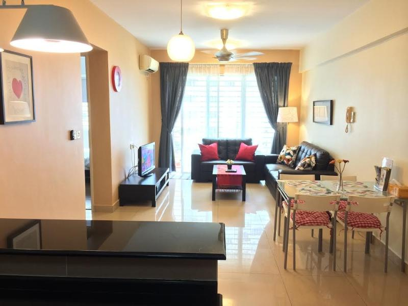 View from kitchen - 3BR Near IKEA Cosy Clean Secure Apartment - Kuala Lumpur - rentals