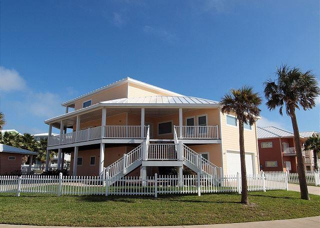 5 bedroom 4.5 bath home in fabulous Royal Sands! - Image 1 - Port Aransas - rentals