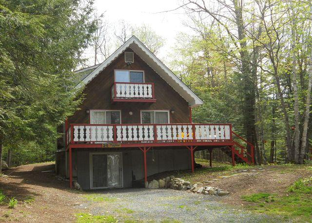 exterior - Lake Winnipesaukee Beach Access Chalet (TAY21Bf) - Moultonborough - rentals
