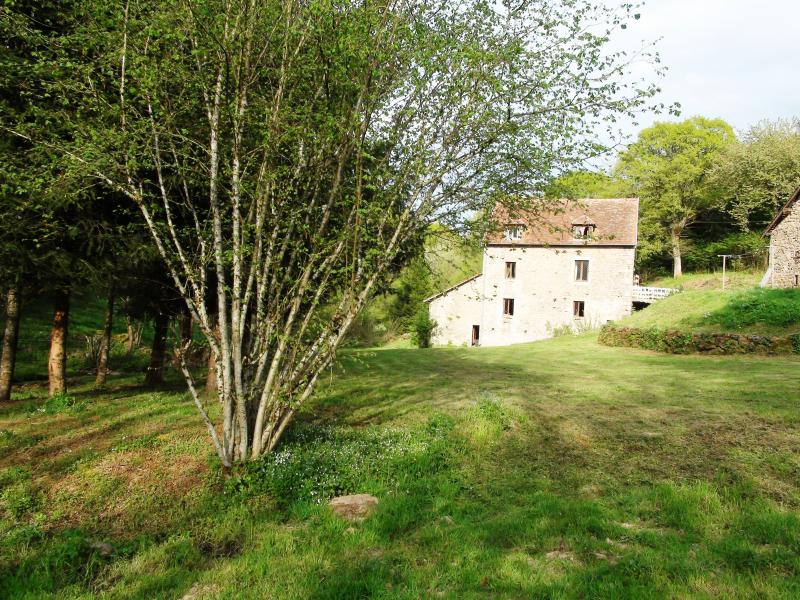 The Mill from the Grounds, holiday accommodation on the 1st Floor here - Holiday rental in a water mill in Burgundy - Burgundy - rentals