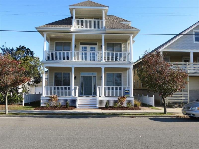 Front of house - Spacious 5 BR With Ocean Views on 5th Street - Ocean City - rentals