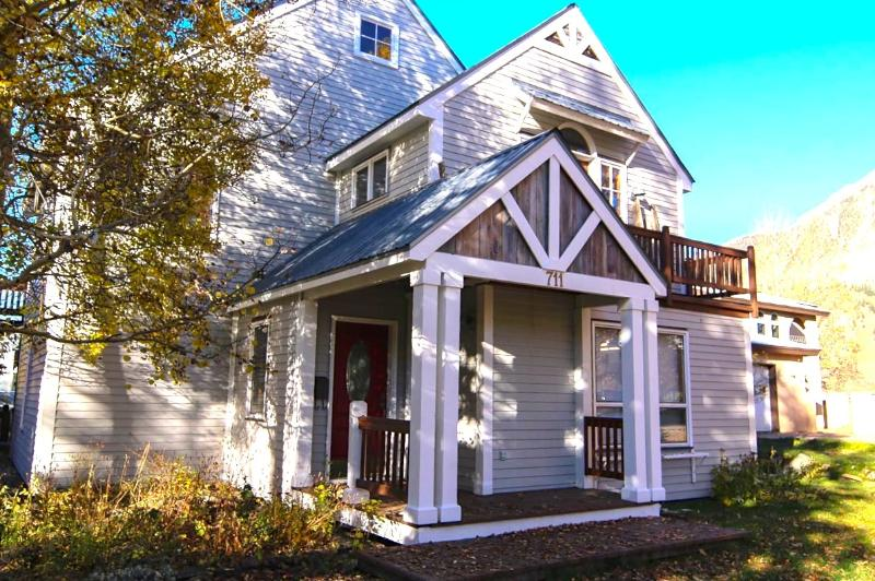 Classically Beautiful Crested Butte Family Home - SANCTUARY- In-Town-Sleeps 11!-4Bd-Walk Everywhere. - Crested Butte - rentals