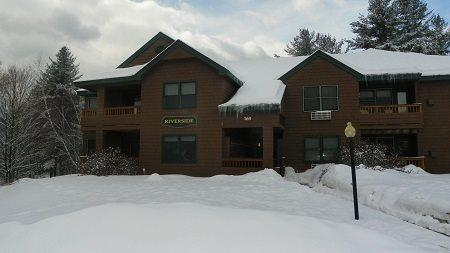 Deer Park Vacation Condo across from Recreation Center with Indoor Pool - Image 1 - North Woodstock - rentals