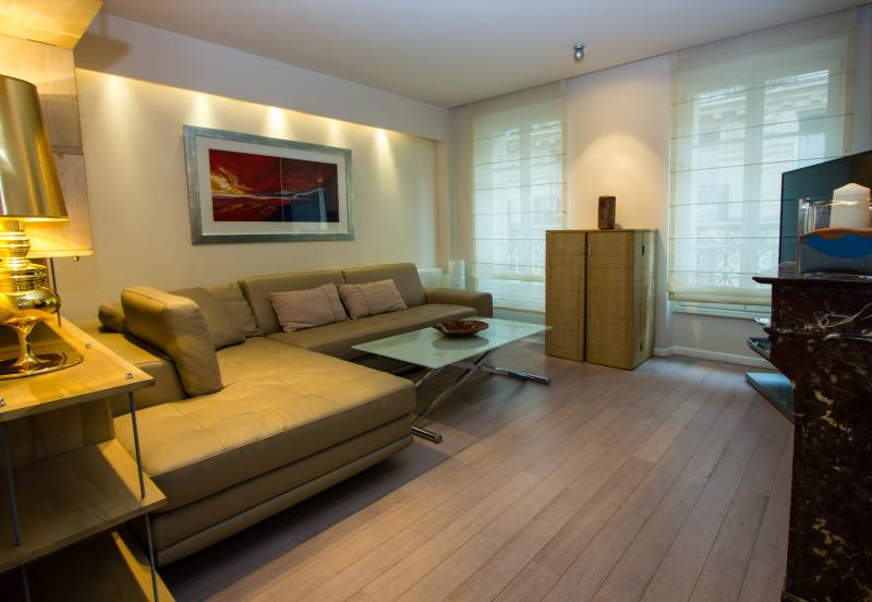 Luxury stay By Arc De Triumph - Fully Renovated! - Image 1 - Paris - rentals