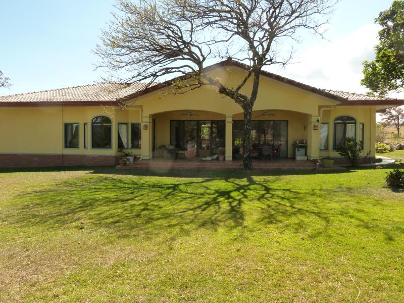 La Casa Amarilla, a Gorgeous Villa near Boquete - Image 1 - Boquete - rentals