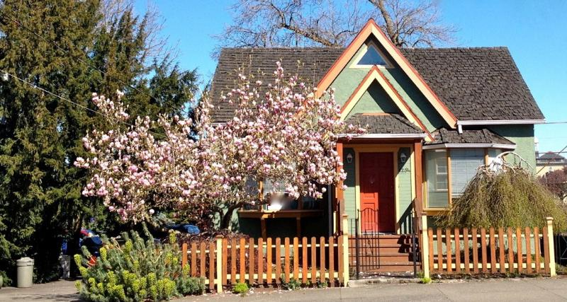 Charming Character Home Close to Downtown Victoria - Image 1 - Victoria - rentals