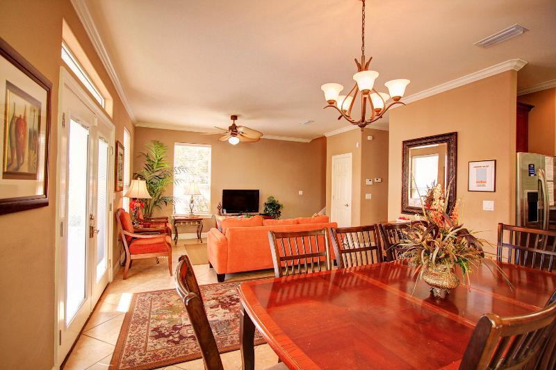 Biscayne Breeze - FAB Remodel! 15% Off on Stays Prior to May 15th! 6 BR/3.5BA-Villages of Crystal B - Image 1 - Destin - rentals