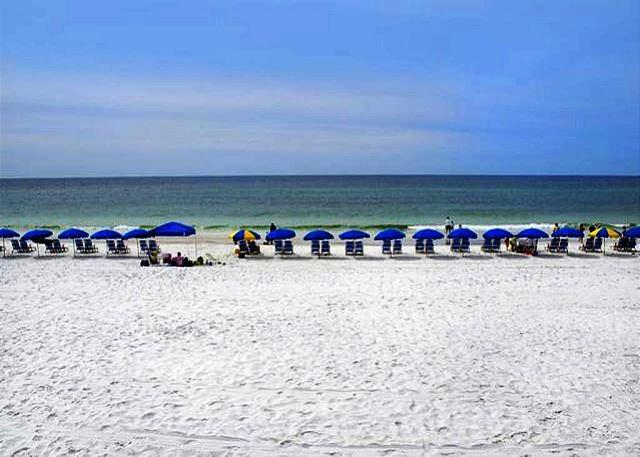 BIG BEAUTIFUL BEACHFRONT FOR 6! OPEN 10/20-27! ONLY $795 TAX INCLUDED! - Image 1 - Miramar Beach - rentals