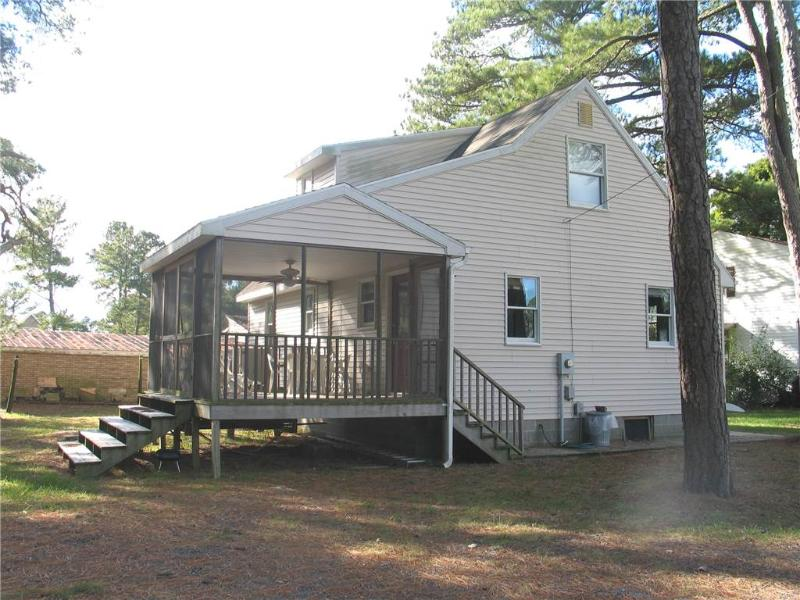 Misty Manor - Image 1 - Chincoteague Island - rentals