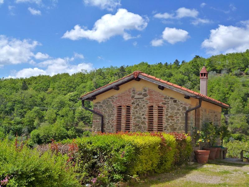 """The Hayloft house at Podere Casarotta - Podere Casarotta loft """"Il Fienile"""" - Loro Ciuffenna - rentals"""