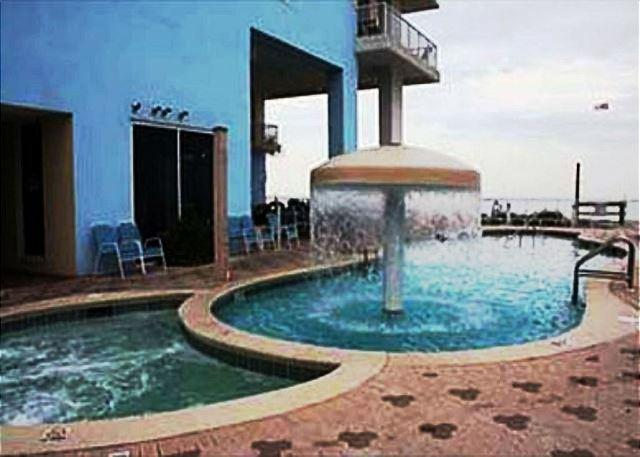 BEACHFRONT GETAWAY FOR 8! BEACH SERVICE INCLUDED! OPEN WEEK OF 4/11 - 10% OFF - Image 1 - Panama City Beach - rentals