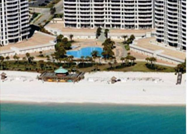 BEACHFRONT FOR 8! LUXURIOUS! OPEN WEEK OF 4/11 - 10% OFF - Image 1 - Destin - rentals