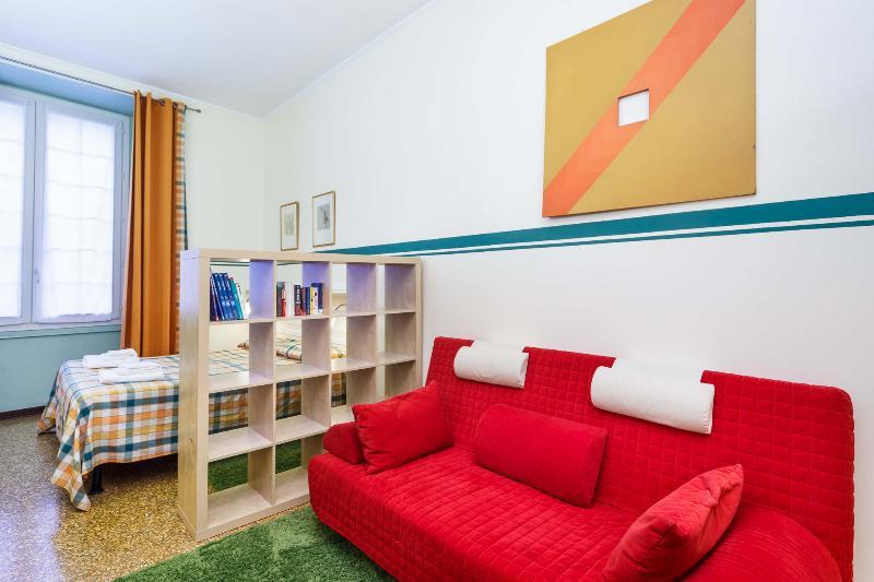 Bedroom  - All mod cons Family apartment - Genoa - rentals