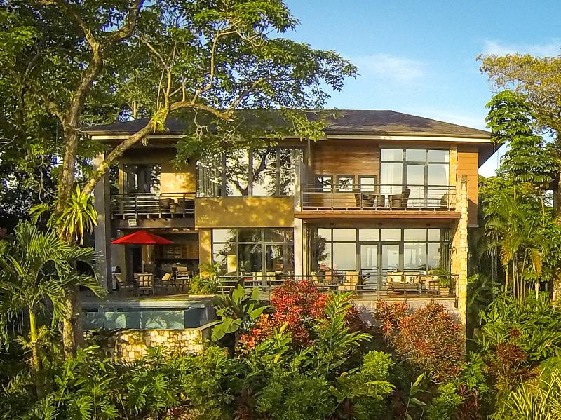 Full Ocean-View Home with Floor to Ceiling Windows for Optimizing Sunset & Ocean Views - Stunning Ocean View Villa w/ Daily Breakfast - Manuel Antonio National Park - rentals