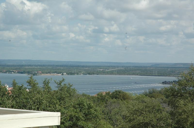 Beautiful lake view from large balcony - Spacious Townhouse with Beautiful Lakeview - Horseshoe Bay - rentals