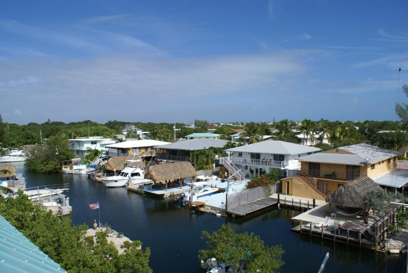 "Welcome to lovely and new ""Largo Vista"", an Ocean-side waterfront home! - Spend a month (or two) in the Florida Keys! ~Waterfront, Boat Slip, Rooftop Deck - Key Largo - rentals"