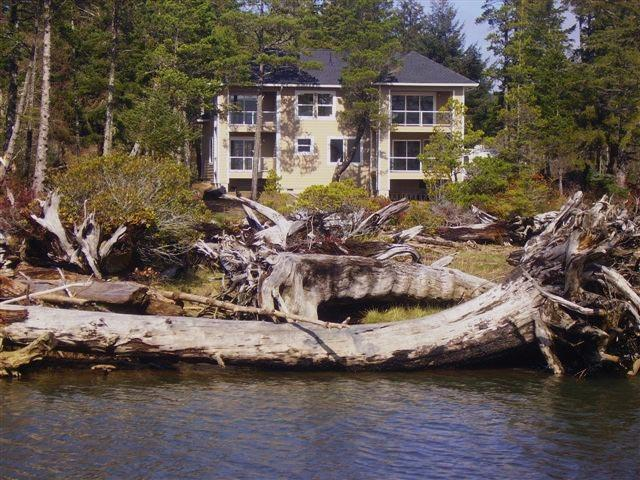 Luxury Private Waterfront 3 Acre Estate-Hot Tub-King Beds! - Image 1 - Lincoln City - rentals