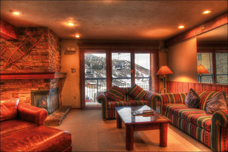 Living Room - Great Family Condo - Ski-in/Ski-out (2147) - Snowmass Village - rentals