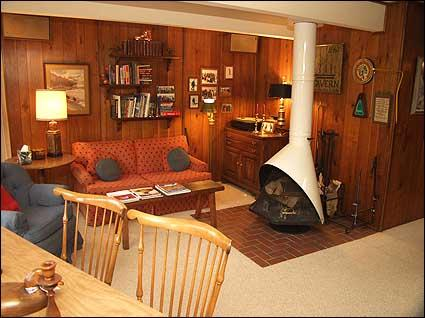 Den with wood burning fireplace - Aspen Chalet - Walk to lifts and restaurants (4254) - Aspen - rentals