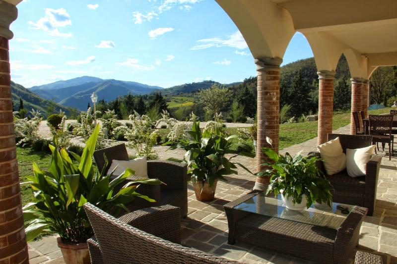 5 bedroom Villa in Reggello, Florentine hills, Arno Valley, Italy : ref 2294072 - Image 1 - Ruota - rentals