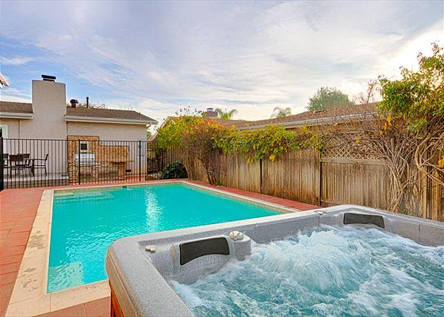 Pool and Spa in back yard. - 17% OFF JAN -Private pool/ spa, newly remodeled home w/ brand new furnishings - San Diego - rentals