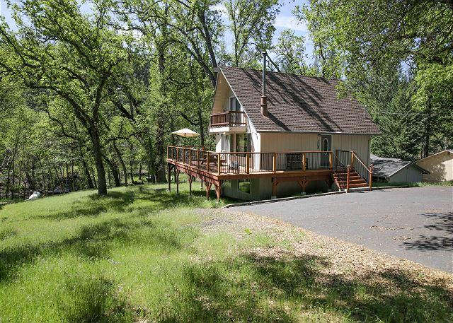 front - Awesome lakefront cabin- BBQ, A/C, deck, dock, ping pong - Groveland - rentals