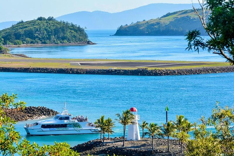 180 Degree Ocean Views Casuarina 16 Hamilton - Image 1 - Hamilton Island - rentals