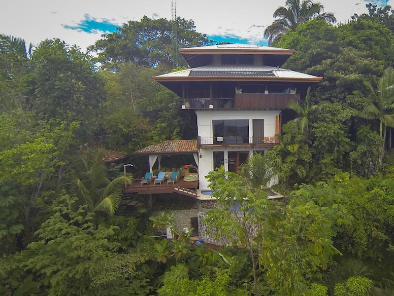 Nestled in the lush green rainforest mountains in Manuel Antonio - Casa Samba - Ocean View Villa w/ Pool & Jacuzzi - Manuel Antonio National Park - rentals
