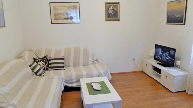 Apartments Tihana - 36991-A1 - Image 1 - Makarska - rentals