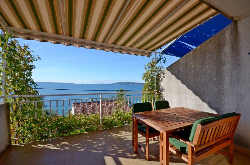 Apartments Inge - 43921-A2 - Image 1 - Seget Vranjica - rentals