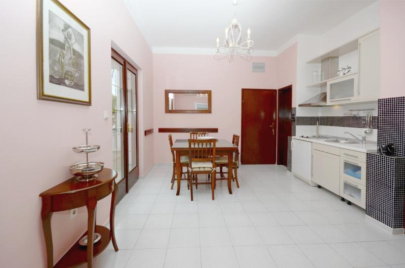 Apartments Siniša - 61571-A5 - Image 1 - Malinska - rentals