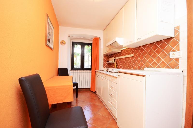 Apartments Đeni - 66931-A2 - Image 1 - Lovran - rentals