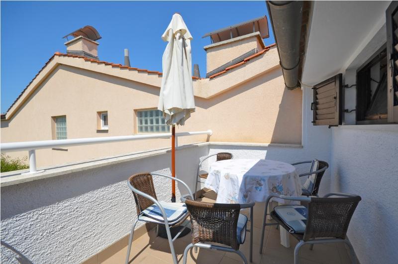 Apartments Dragica - 70571-A3 - Image 1 - Fazana - rentals