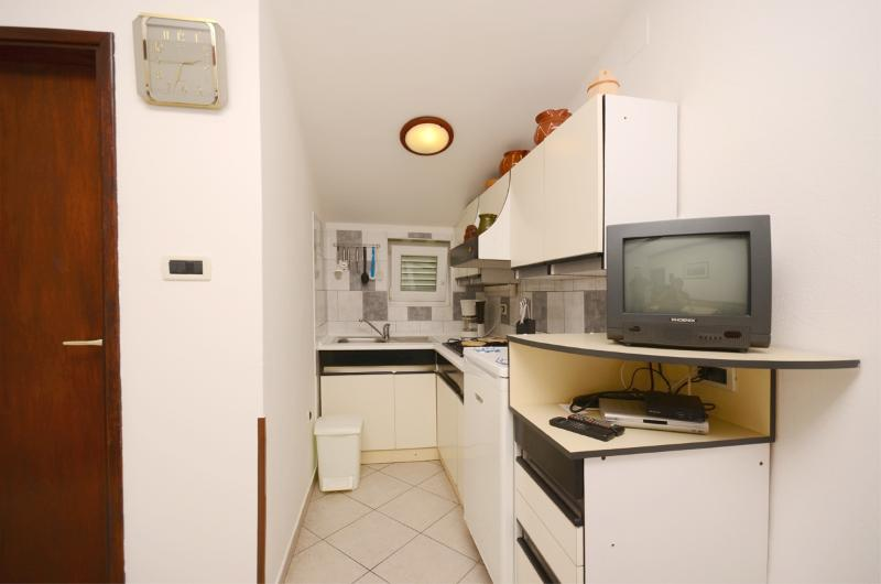Apartment Dražen - 71281-A1 - Image 1 - Fazana - rentals